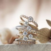 オシャレで人気の結婚指輪のご紹介!